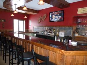 Beaties Bar & Grill at Mackenzie Lodge